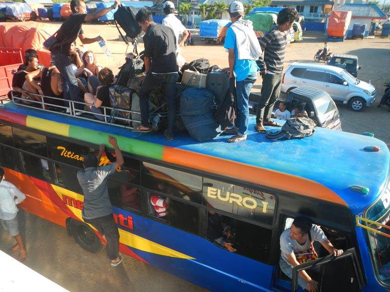 Bis dari Sape ke Bima di Sumbawa