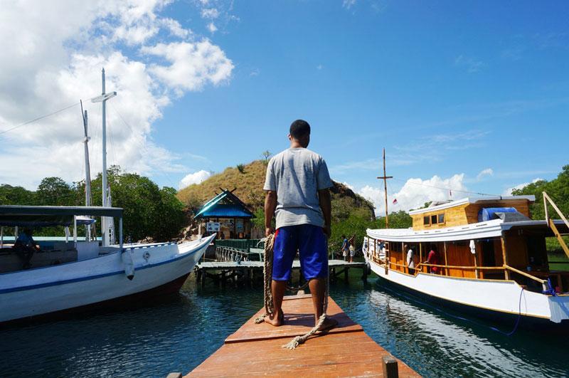Merapat di Pulau Rinca