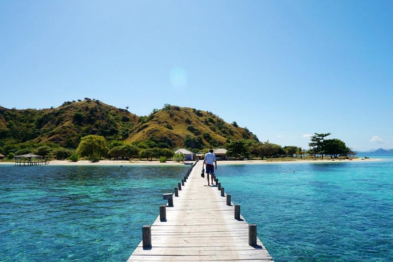 Dermaga Pulau Kanawa