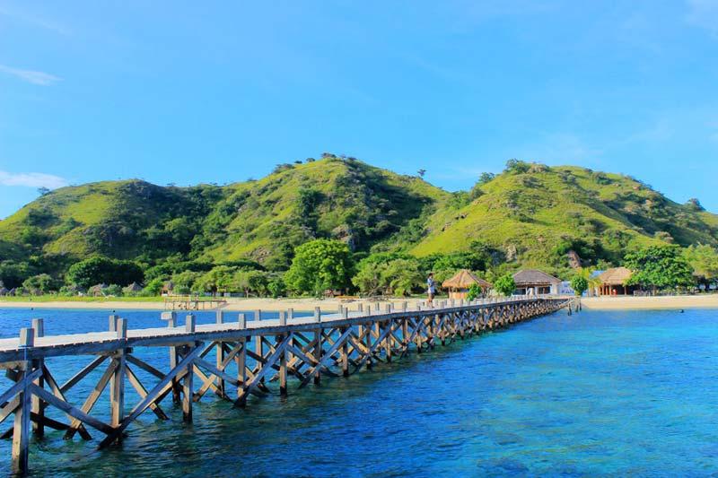 Serpihan surga di Pulau Kanawa