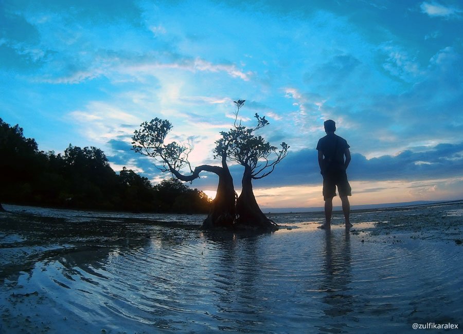Sunset Pantai Walakiri Sumba